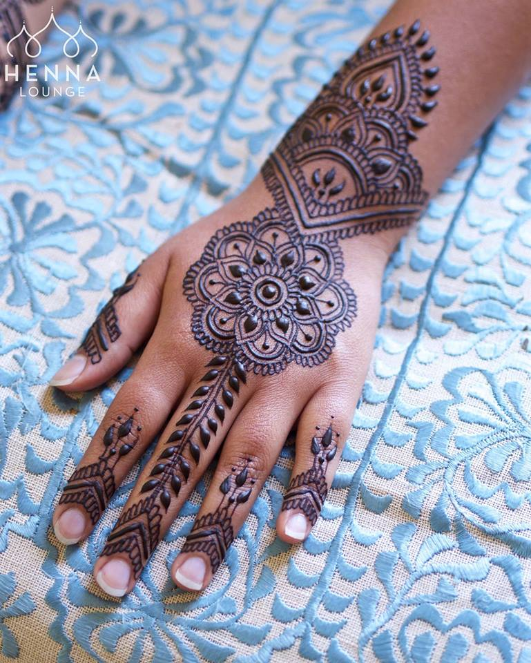 13 Unique Henna Designs Doing The Rounds This Wessing: Best 13 Back Hand Unique Mehndi Designs For Party
