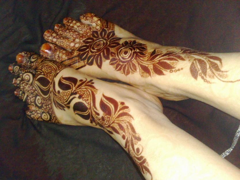 Beautiful Arabic Bridal Mehndi Designs For Legs