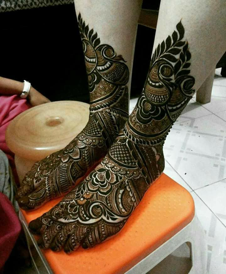 Beautiful Arabic Bridal Mehndi Designs for Legs - Fashion Beauty