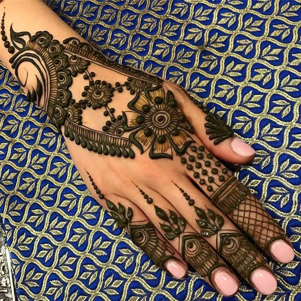 Best 15 Floral Style Back Hand Henna Designs