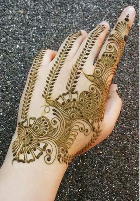 best 15 floral style back hand henna designs   fashion
