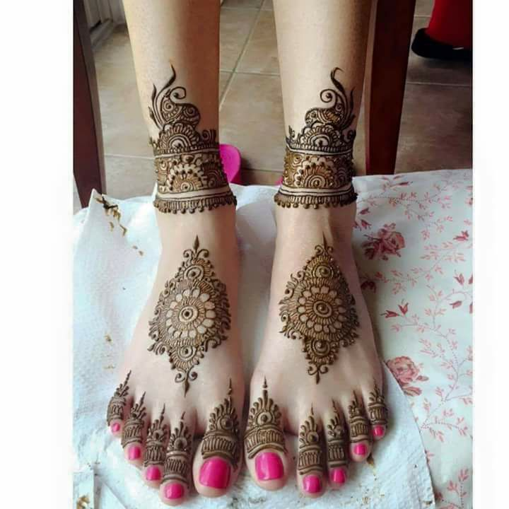 Floral Style Foot & Leg Mehndi Designs - Fashion Beauty ...