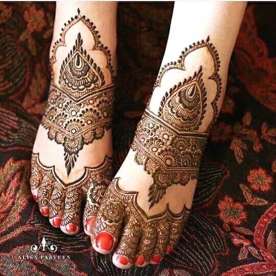 Floral Style Foot & Leg Mehndi Designs
