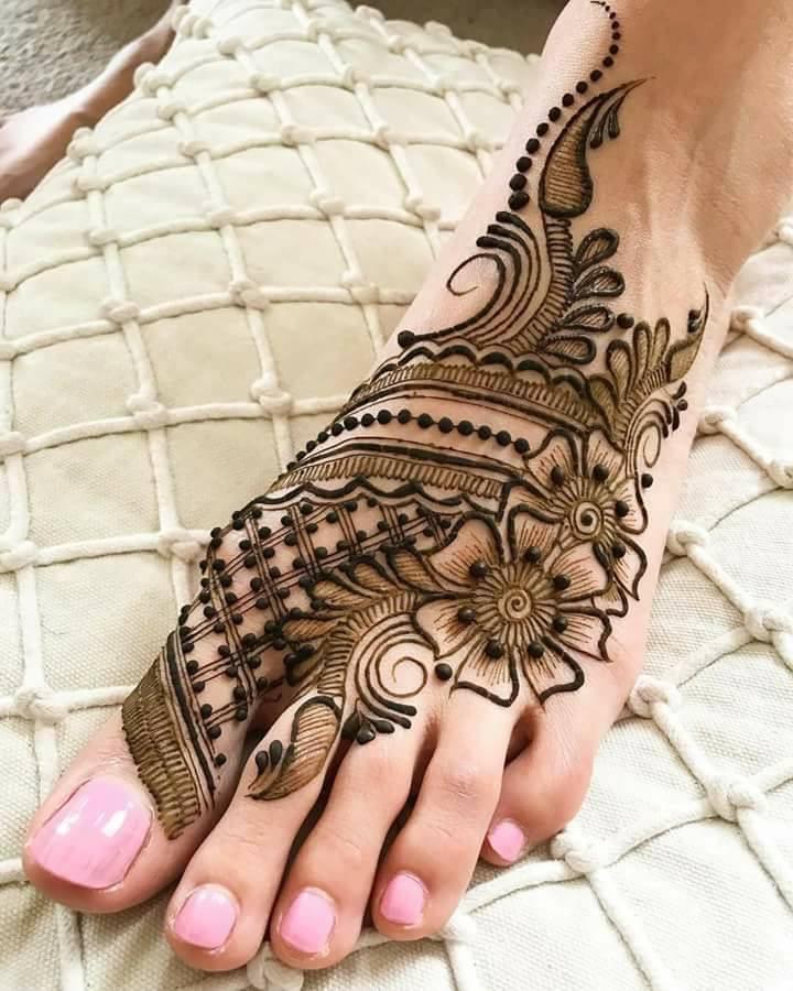 Attractive Henna Design On Leg Foot Fashion Beauty Mehndi