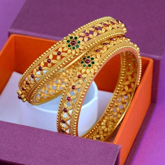 Gold Bangles Designs Catalogue - Fashion Beauty Mehndi ...