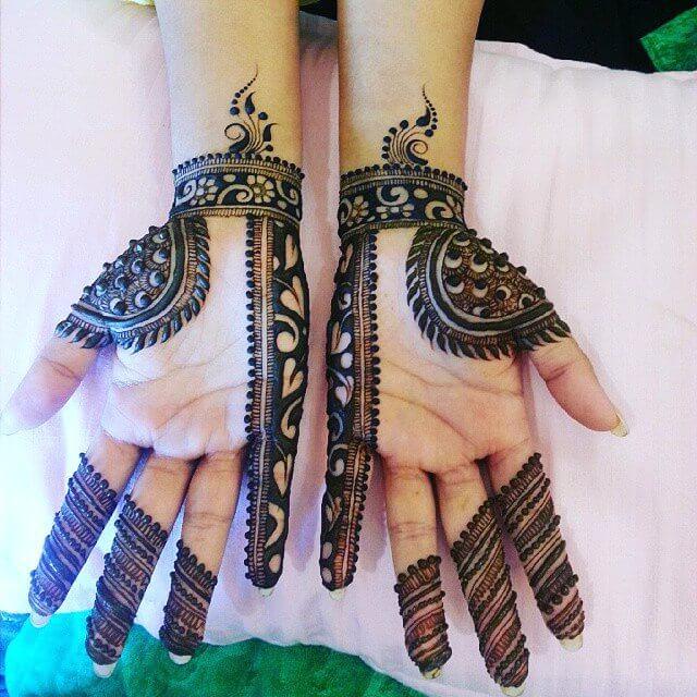 Latest Best Designs For Front Hand Mehendi Designs