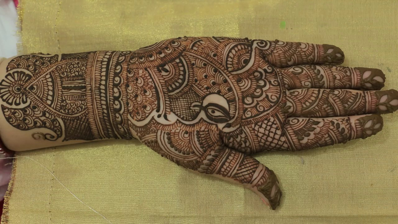 Latest Traditional Mehendi Designs